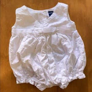Old navy white eyelet outfit